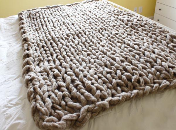 76348261f9b Voici la sélection de plaid tricot pour vous     . Couverture gros tricot